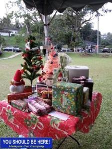christmas gift exchange_MalaysiaCarCamping