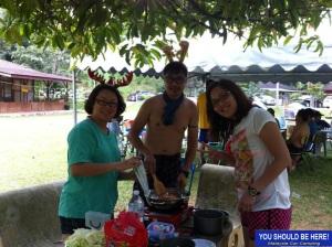 christmas_camping_cooking2_MalaysiaCarCamping