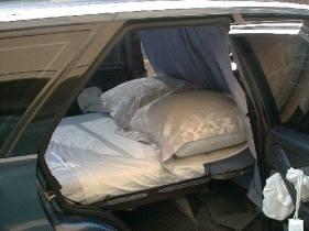 car-camping-bed1