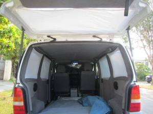car-camping-curtain1
