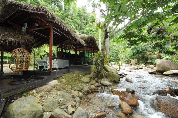Tanah_Aina_Farrah_Soraya_Eco_Tourism_Resort_dining_hall