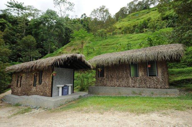 Tanah_Aina_Farrah_Soraya_Eco_Tourism_Resort_toilet-outside2